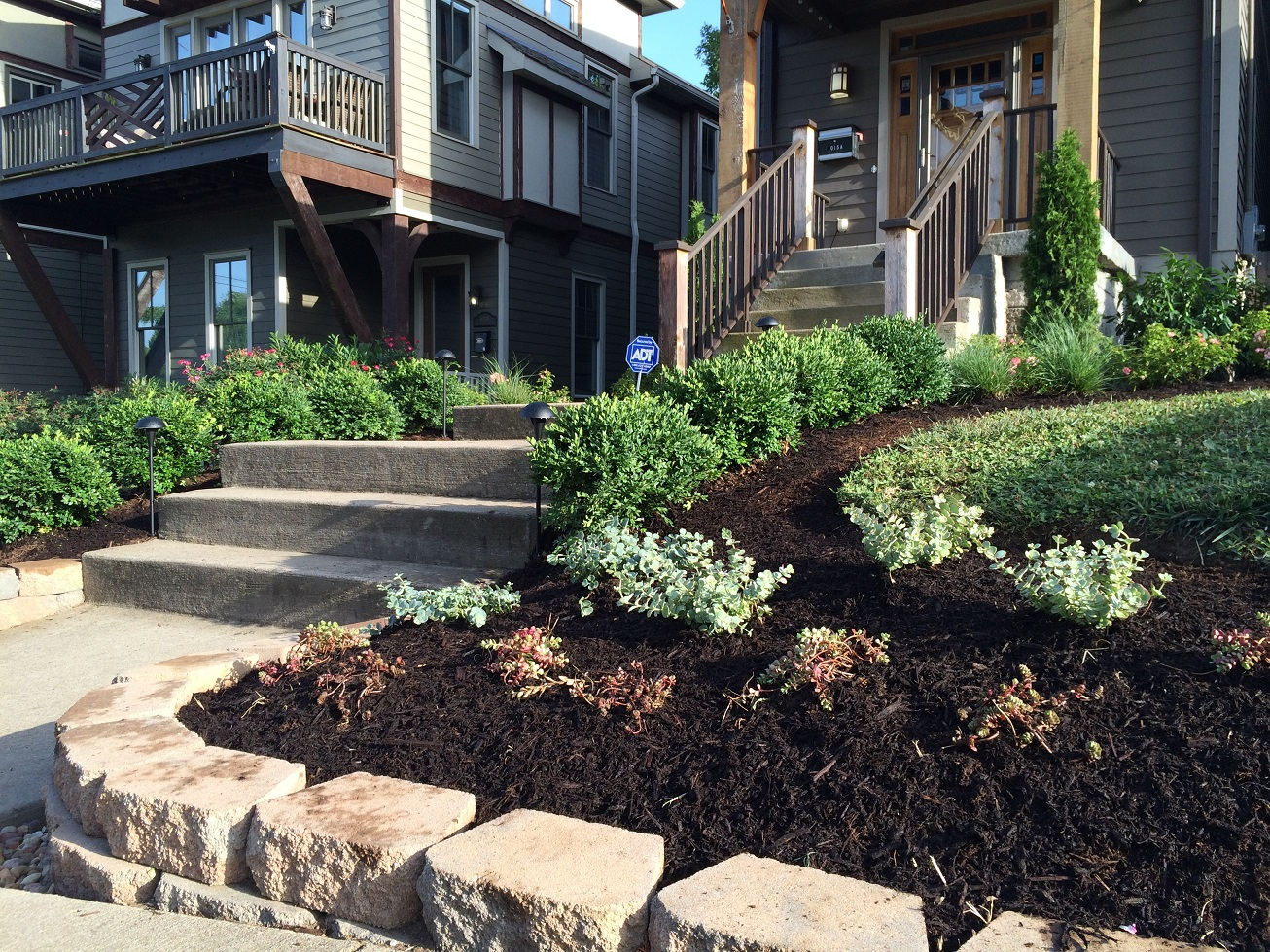 Landscaping Ideas For Driveways and Curbsides